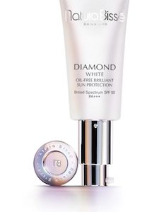 DIAMOND WHITE SPF 50 PA+++ OIL FREE BRILLANT SUN PROTECTION